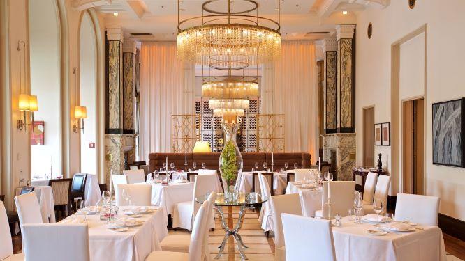 zinfandels_restaurant_-_esplanade_zagreb_hotel_1.jpg
