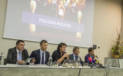 novinarska_konferenca_glavna_fotografija.jpg