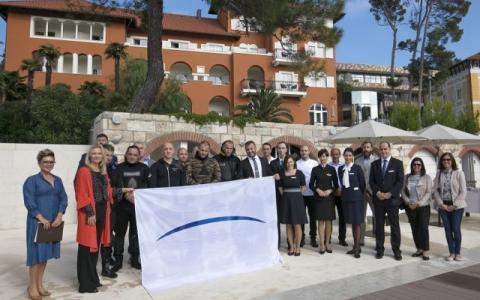 boutique_hotelu_alhambra_dodijeljena_bijela_zastava_foto_hrvoje_serdar.jpg