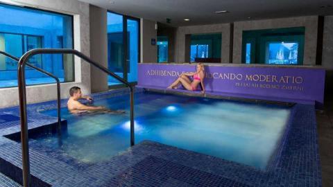 Rimske-terme-wellness-pool