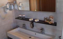 Kupaona BEST WESTERN PLUS Hotel Piramida Maribor.jpg