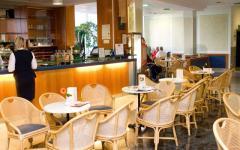 hotel-zdravliski-dvor-kavana