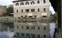 italy_tuscany_bagno_vignoni