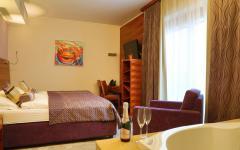 hotel-astrij-zrece-jacuzzi